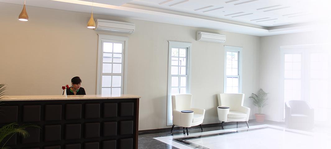 Grand Tebu Hotel Bandung Slider - Front Desk